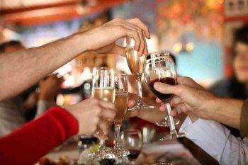Η μέτρια κατανάλωση αλκοόλ μπορεί να μειώσει τη θνησιμότητα από οποιαδήποτε αιτία