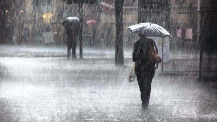 Βροχές, καταιγίδες, ισχυροί άνεμοι και πιθανώς χαλαζοπτώσεις προβλέπονται για την Τρίτη