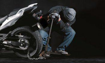 Σχηματίσθηκε δικογραφία σε βάρος 17χρονου για κλοπή μοτοσυκλέτας