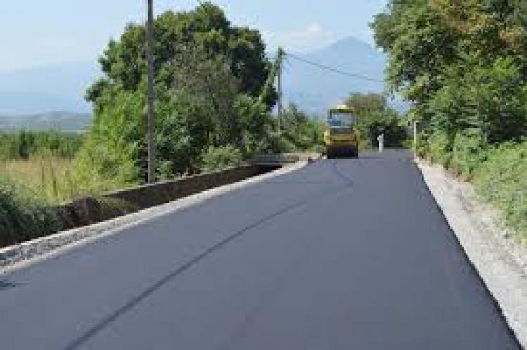 922.000 ευρώ για ασφαλτοστρώσεις αγροτικών δρόμων του Δήμου Νάουσας