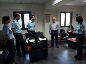 Επίσκεψη του προέδρου της ΠΕΔ-ΚΜ στην Τροχαία Θεσ/νίκης και δωρεά αλεξίσφαιρων γιλέκων