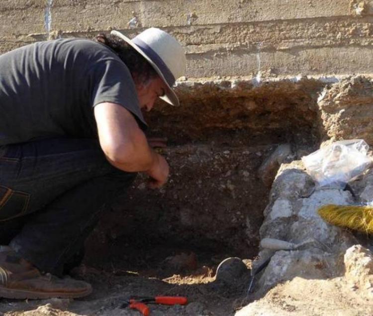 ΕΦΑ Ημαθίας : Τάφος νεαρής κοπέλας του 4ου αιώνα π.Χ. βρέθηκε στις όχθες του Τριποτάμου!