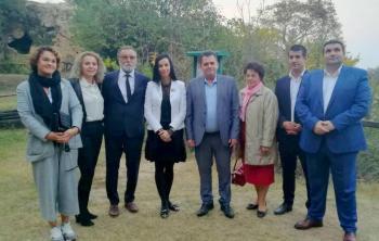 Στα βήματα του Μ.Αλεξάνδρου στην Ημαθία, ξενάγησε εκπροσώπους 5 ρουμανικών νομών, ο αντ/ρχης, Κ.Καλαϊτζίδης