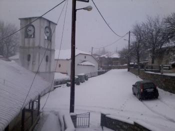 Χιόνια στο καμπαναριό του...Σελίου!
