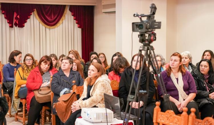 Ομιλία της κ. Μητροπούλου Βασιλικής στη Σχολή Γονέων Βεροίας