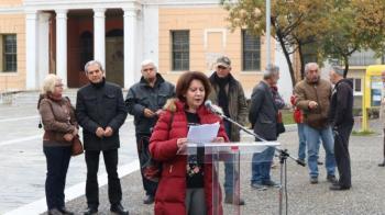 Συγκέντρωση διαμαρτυρίας μελών του ΠΑΜΕ στην πλατεία Ωρολογίου Βέροιας στα πλαίσια της χθεσινής πανελλαδικής απεργίας
