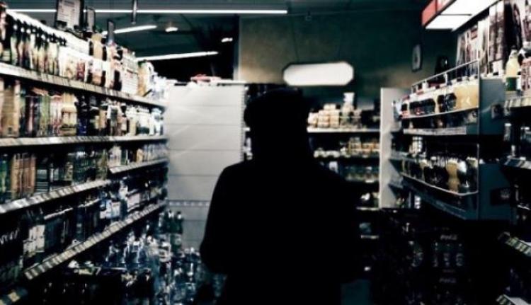 Εκατό ευρώ το χρόνο ξοδεύει ο μέσος Έλληνας για αγορά αλκοολούχων ποτών στο σπίτι