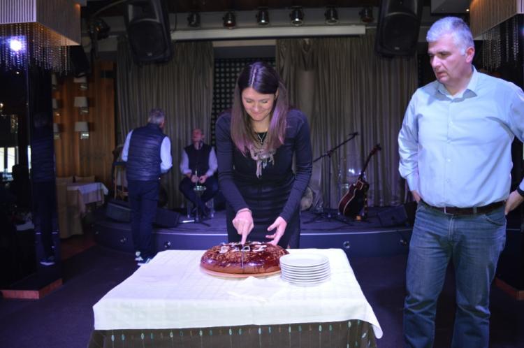 Έκοψαν την πίτα τους οι εργαζόμενοι στην ΠΕ Ημαθίας, παρουσία των κ.κ. Τζιτζικώστα και Καλαϊτζίδη