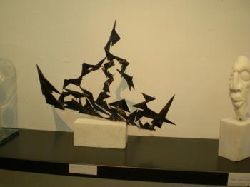 Εγκαινιάστηκε η έκθεση «Σ(χ)ήματα στο χώρο» του Άρη Κατσιλάκη, στη γκαλερί της Βίκυς Παπατζίκου