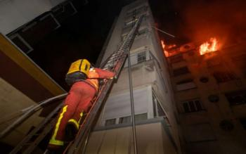 Πυρκαγιά σε πολυκατοικία στο Παρίσι - 8 νεκροί