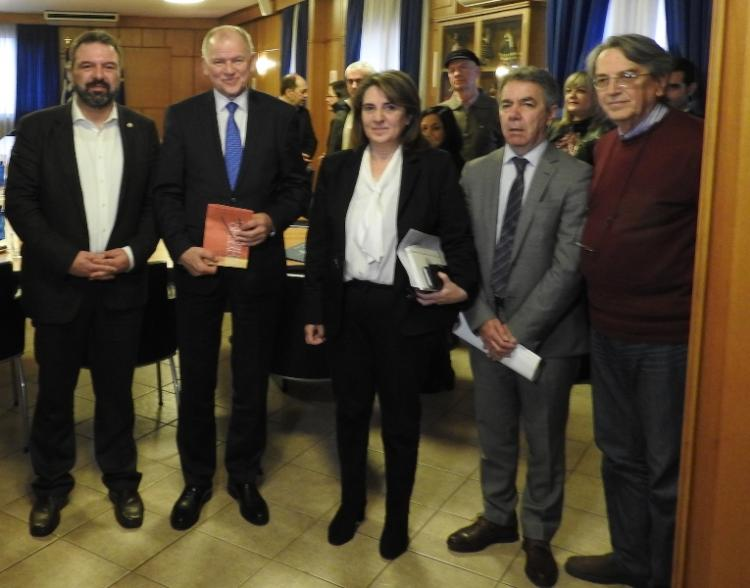 Σειρά ζητημάτων επιλύθηκε στη συνάντηση Αραχωβίτη-Andriukaitis