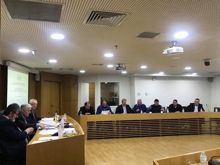 Προσφυγή της ΠΕΔ-ΚΜ στο ΣτΕ κατά της απόφασης Χουλιαράκη για τη μεταφορά των αποθεματικών των Δήμων στην ΤτΕ