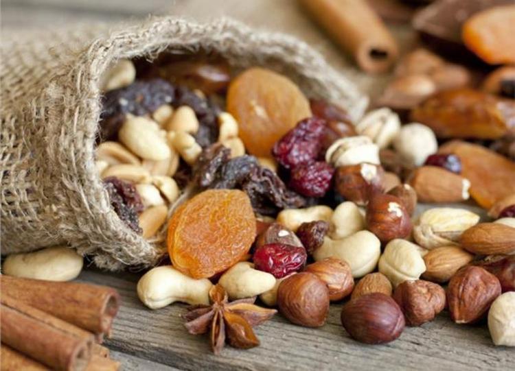 Οι ξηροί καρποί και οι σπόροι αποτελούν τροφή θρεπτική και υγιεινή - Του Δ.Κ. Στυλιανίδη