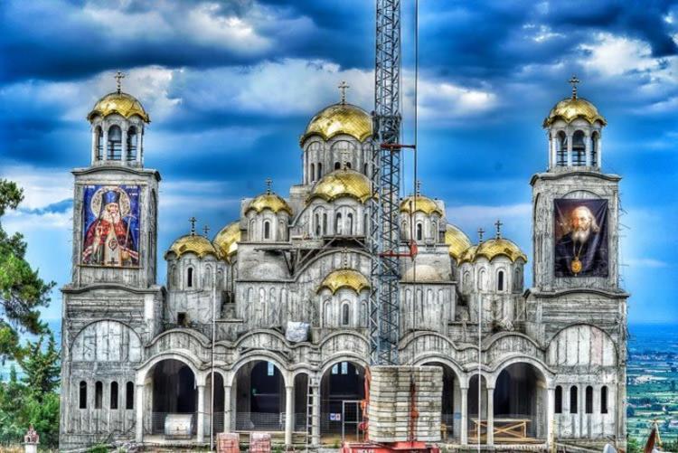 Iερά αγρυπνία στον Ιερό Ναό Αγίου Λουκά του ιατρού στην Ιερά Μονή Παναγίας Δοβρά