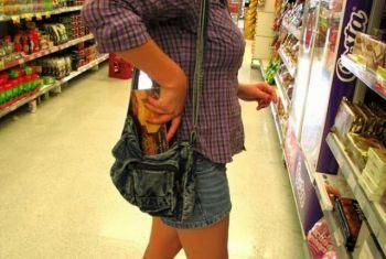Σύλληψη 52χρονης και 25χρονης στην Ημαθία για κλοπή από κατάστημα τροφίμων