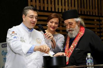 Ο Περιφερειάρχης Κ. Μακεδονίας Απ. Τζιτζικώστας στη μεγαλύτερη έκθεση Detrop και Oenos των τελευταίων ετών