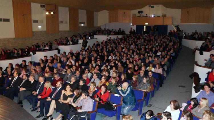 Με απόλυτη επιτυχία η παράσταση «Χέρι με χέρι, η παράδοση της Ελλάδας» για τη στήριξη του Συλλόγου Φίλων Νοσοκομείου