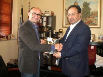 Συνάντηση του δημάρχου Βέροιας Κ. Βοργιαζίδη με το δήμαρχο Δερύνειας Α. Καραγιάννη