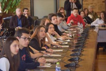 Μαθητές Λυκείων εντόπισαν προβλήματα και ζήτησαν λύσεις από τη δημοτική αρχή στο Δημοτικό Συμβούλιο Εφήβων Βέροιας