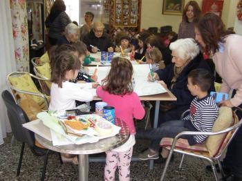 Ο Α' παιδικός σταθμός του Κ.Α.Π.Α. Δήμου Βέροιας επισκέφθηκε το Κέντρο Ημερήσιας Φροντίδας Ηλικιωμένων