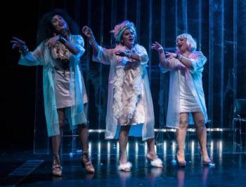 «Όλο σπίτι κρεβάτι κι εκκλησία», θεατρική παράσταση από το Θέατρο Τέχνης «Κάρολος Κουν» στη Νάουσα