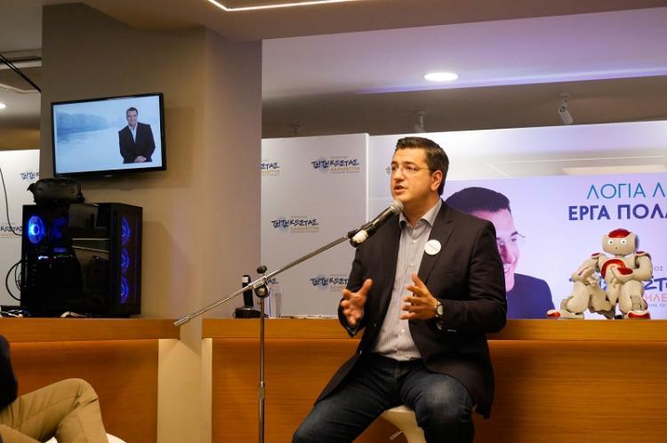 Το Σημείο Καινοτομίας της περιφερειακής παράταξης «Αλληλεγγύη» στο κέντρο της Θεσσαλονίκης παρουσίασε ο Απόστολος Τζιτζικώστας