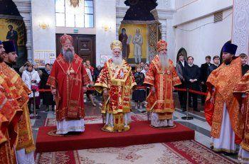 Πρώτη Θεία Λειτουργία στο Αικατερίνμπουργκ ενώπιον των χαριτόβρυτων λειψάνων του Αγίου Δημητρίου