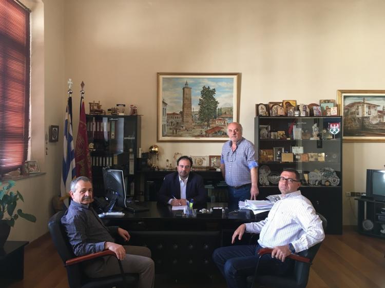 Ξεκινά η διαπλάτυνση της Πιερίων  - Υπογράφτηκε η σχετική σύμβαση από το Δήμαρχο Βέροιας