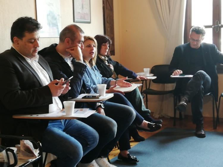 Περιοδεία των υποψήφιων ευρωβουλευτών του ΣΥΡΙΖΑ Κ. Αρβανίτη και Α. Νικολαϊδη στην Ημαθία