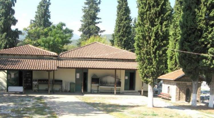 Οστεοθήκες σε περιφραγμένο χώρο, προκειμένου να αποσυμφορηθεί το οστεοφυλάκιο του Κοιμητηρίου Βέροιας
