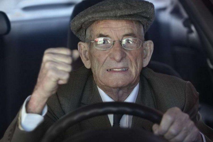 Μήπως θα έπρεπε η πολιτεία να φροντίσει, οι υποψήφιοι οδηγοί οχημάτων να περνούν από εξομοιωτή οδήγησης;