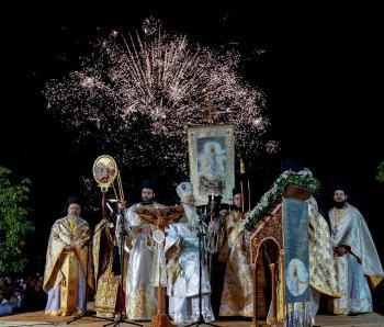 Λαμπρή η αναστάσιμη τελετή στην πλατεία Εληάς. Πανηγύρισαν το Πάσχα οι πιστοί σε κάθε γωνιά της Ημαθίας!