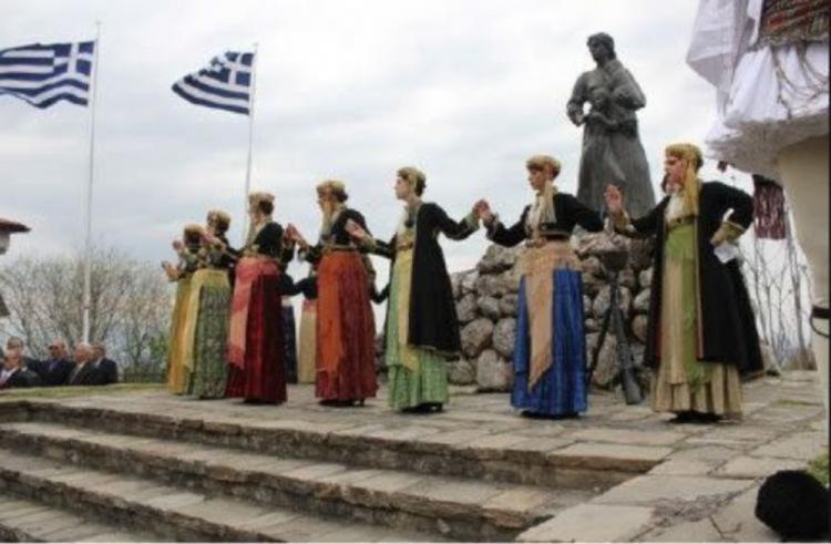 Παρέλαση της 197ης επετείου του ολοκαυτώματος στην οδό Μ. Αλεξάνδρου