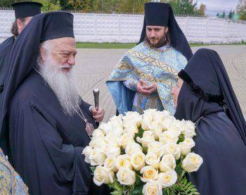 Αρχιερατικό συλλείτουργο στην Ιερά Μονή Νοβοτιχβινσκι Αικατερίνμπουργκ της Ρωσίας