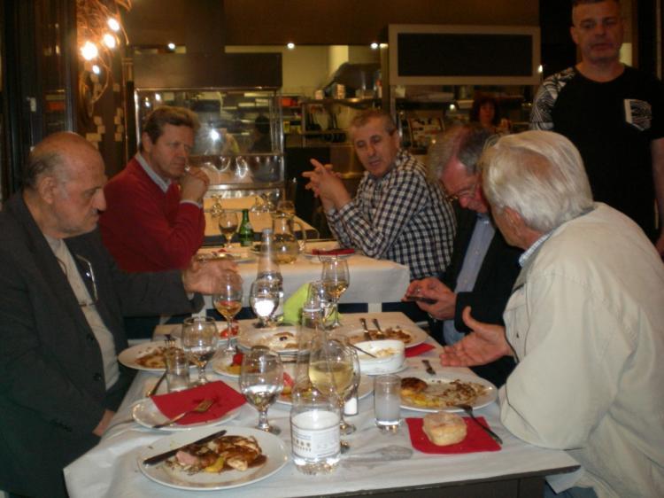 Το τραπέζι της χαράς και των αναμνήσεων!