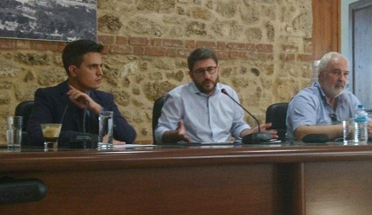 Ν.Ανδρουλάκης: «Μέσα από ένα ρεαλιστικό λόγο να αγκαλιάσουμε τον κόσμο της Δημοκρατικής Παράταξης»