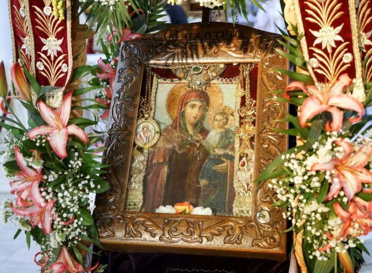 Η Μυροβλύζουσα εικόνα της Παναγίας Οδηγήτριας στον εορτάζοντα Ιερό Ναό Αγίου Νικολάου Πατρίδας