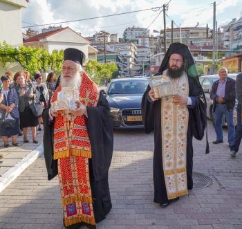 Υποδοχή της Τιμίας Κάρας του Αγίου Ελευθερίου και των Ι. Λειψάνων των Αγ. Κωνσταντίνου και Ελένης στο πανηγυρίζοντα Ιερό Ναό Βεροίας