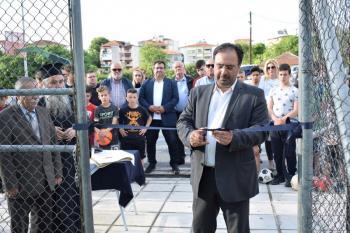 Εγκαινιάσθηκε ο νέος τάπητας στο γήπεδο ποδοσφαίρου 5Χ5 στα Εβραίικα μνήματα