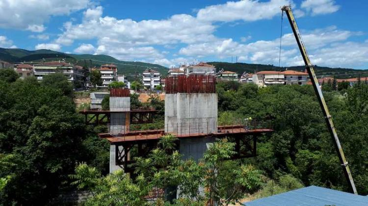 Σε πλήρη εξέλιξη οι εργασίες στη γέφυρα Κούσιου