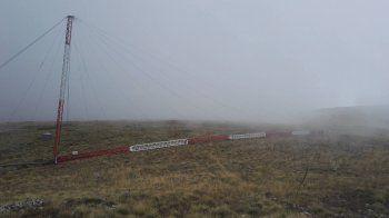Κεραίες μέτρησης αιολικής ενέργειας της ΤΕΡΝΑ Ενεργειακή στην κορυφή του Βερμίου, πάνω από τη Νάουσα