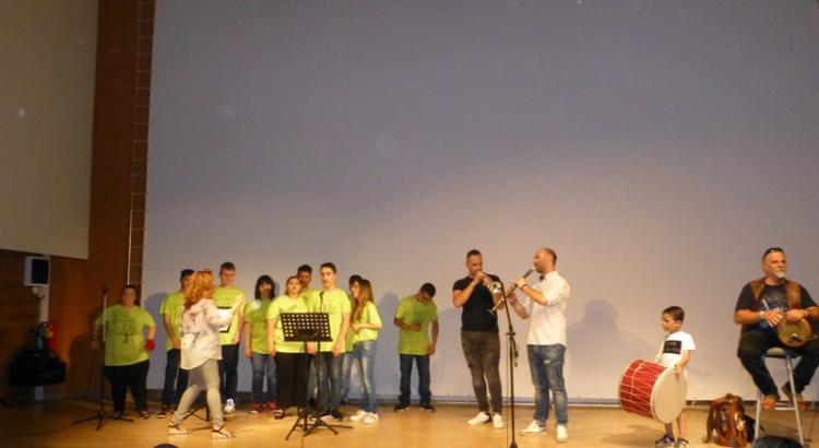 Με μεγάλη επιτυχία η παρουσίαση του δίσκου της χορωδίας του ΕΕΕΕΚ Νάουσας «Όλοι ίσοι … Όλοι διαφορετικοί»