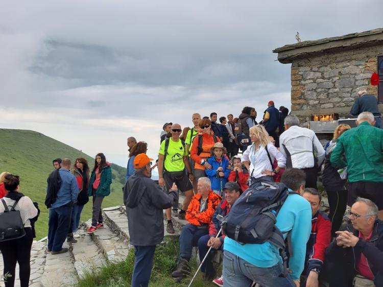 Λειτούργησε το εξωκλήσι του Αγίου Πνεύματος στα 2.000 μέτρα στην κορφή του Βερμίου