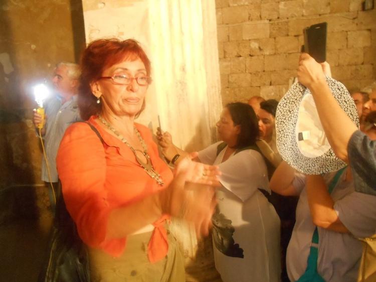 Μακεδονικοί Τάφοι, Γυμνάσιο - Θέατρο Μίεζας, Νυμφαίο, στη Νάουσα Ημαθίας, με την Αγγελική Κοταρίδη - Γράφει ο Ηλίας Τσέχος