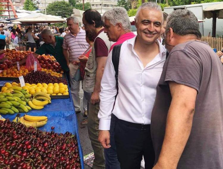 Στη λαϊκή της Βέροιας και στην αγορά της πόλης ο Λάζαρος Τσαβδαρίδης