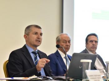 «120 Δόσεις στα Ασφαλιστικά Ταμεία και στην Εφορία : ευκαιρίες και προβλήματα», διαδραστική ενημερωτική ημερίδα της ΕΣΕΕ