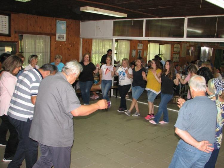 Γλέντησαν και χόρεψαν στο Δάσος της Καστανιάς οι Πρόσκοποι