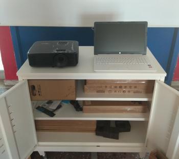 Κέντρα Υπολογιστών σε τρία σχολεία της Αλεξάνδρειας, όπου φοιτούν προσφυγόπουλα