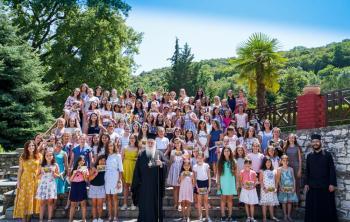 A΄ Περίοδος φιλοξενίας κοριτσιών του Δημοτικού στις εγκαταστάσεις της Ιεράς Μονής Παναγίας Δοβρά στη Βέροια