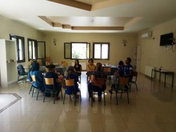 Συνάντηση του Κ.Σ. Δ.Βέροιας με γυναίκες διαμένουσες στο κέντρο φιλοξενίας προσφύγων στο στρατόπεδο Αρμ. Κόκκινου στην Αγ.Βαρβάρα Ημαθίας